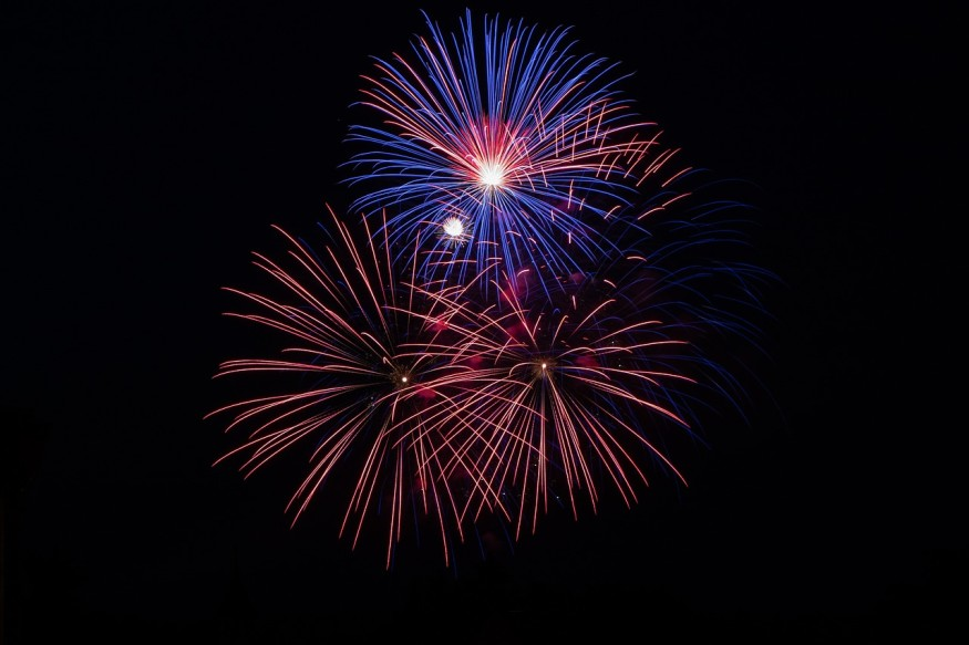 fireworks-3575406_1280